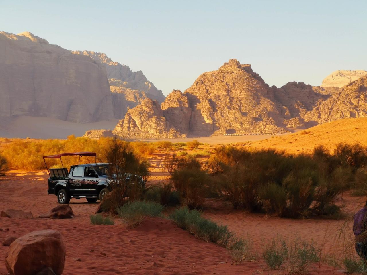 Masina Safari Wadi Rum Jordan