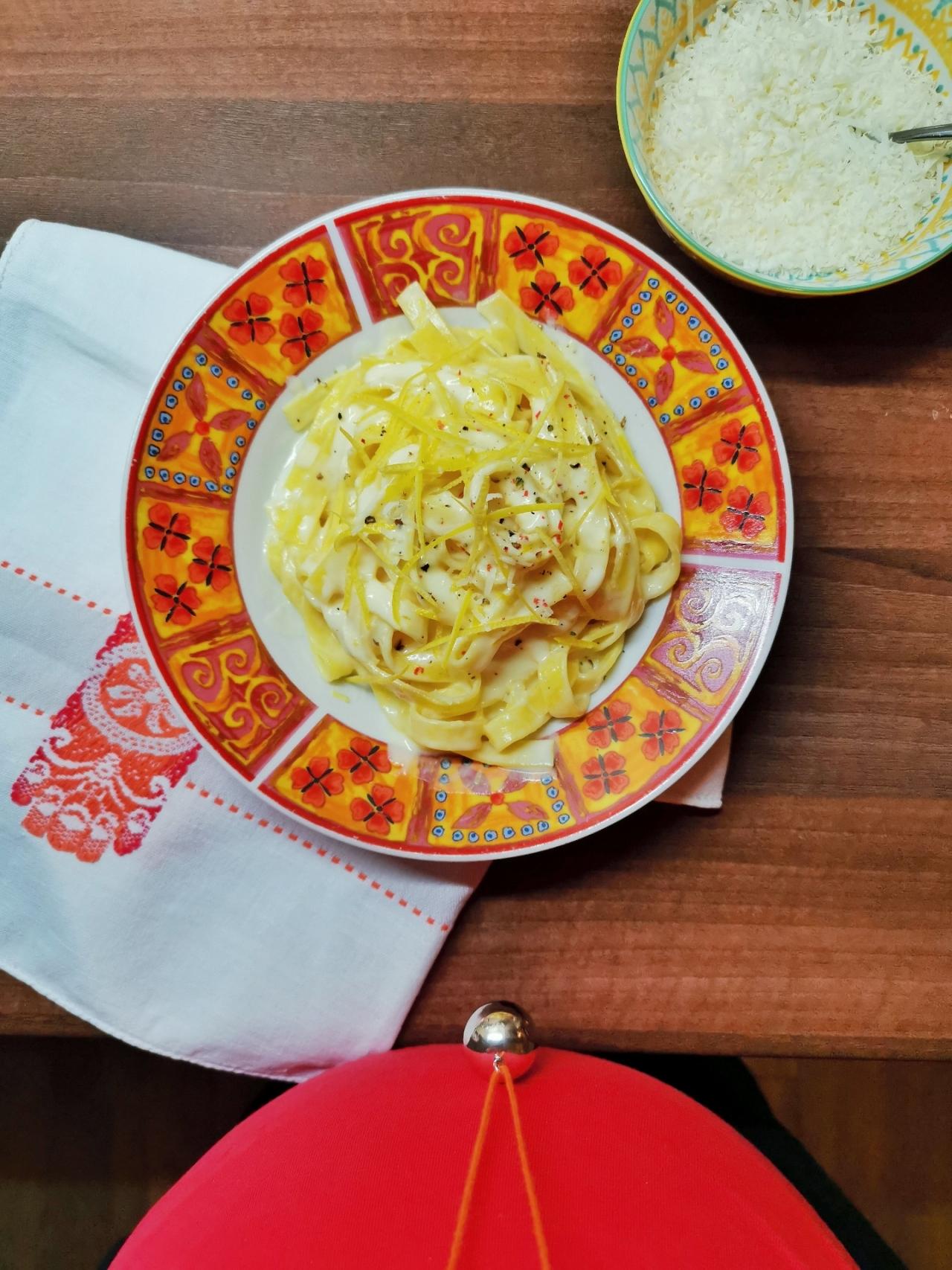 plating ragliatelle al limone si parmezan