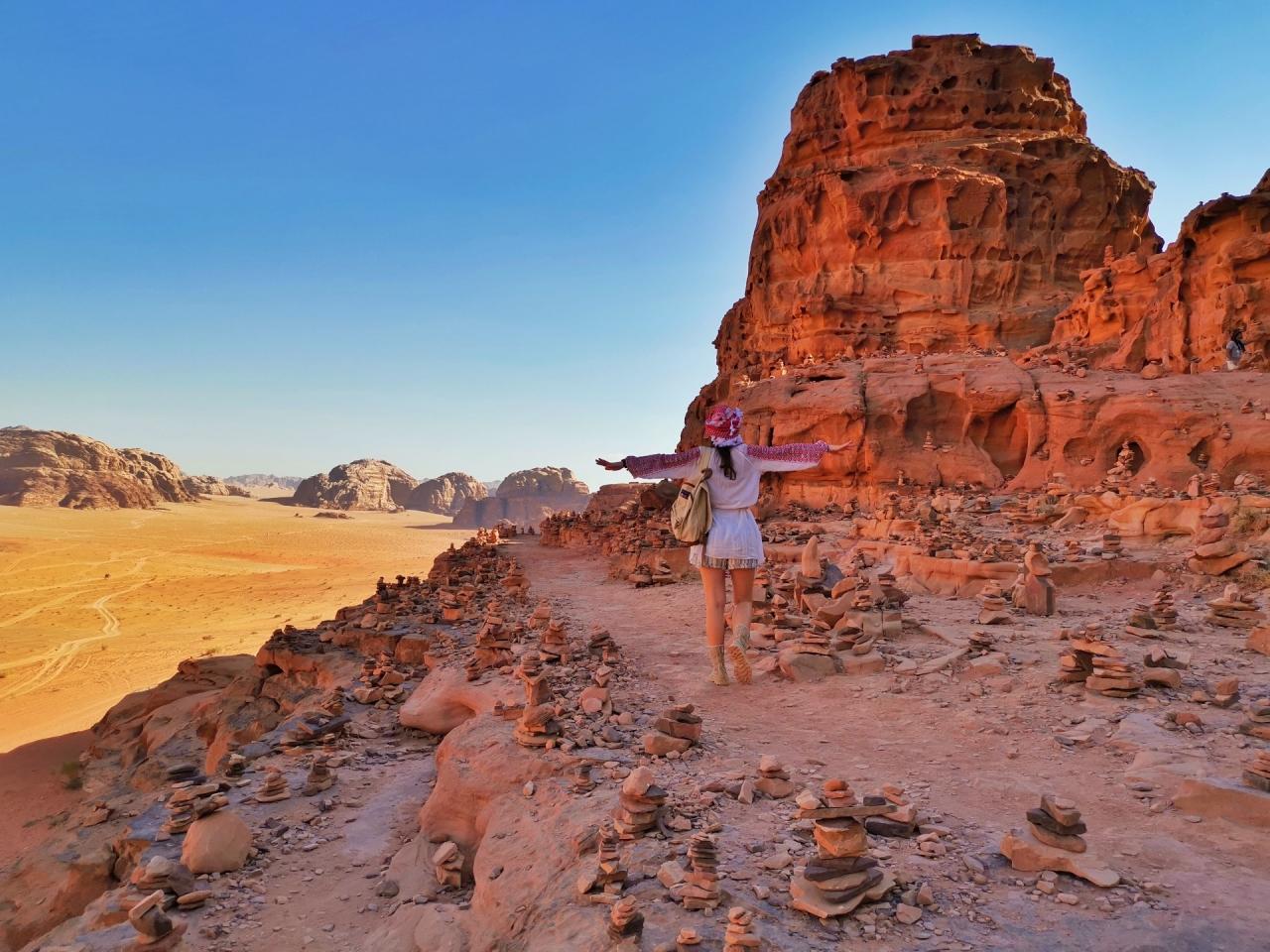 Andreea pe stanci Wadi Rum 2019
