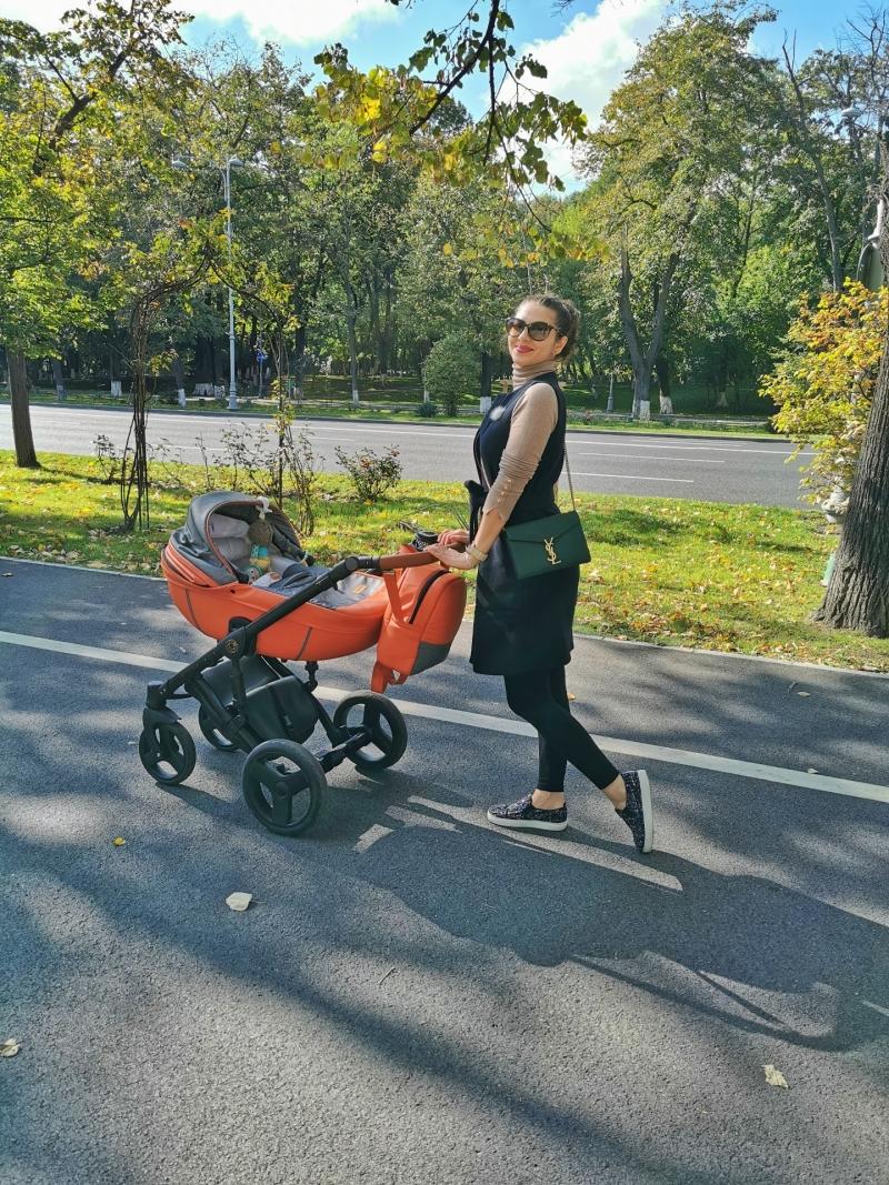 Alma si Mami pe strada
